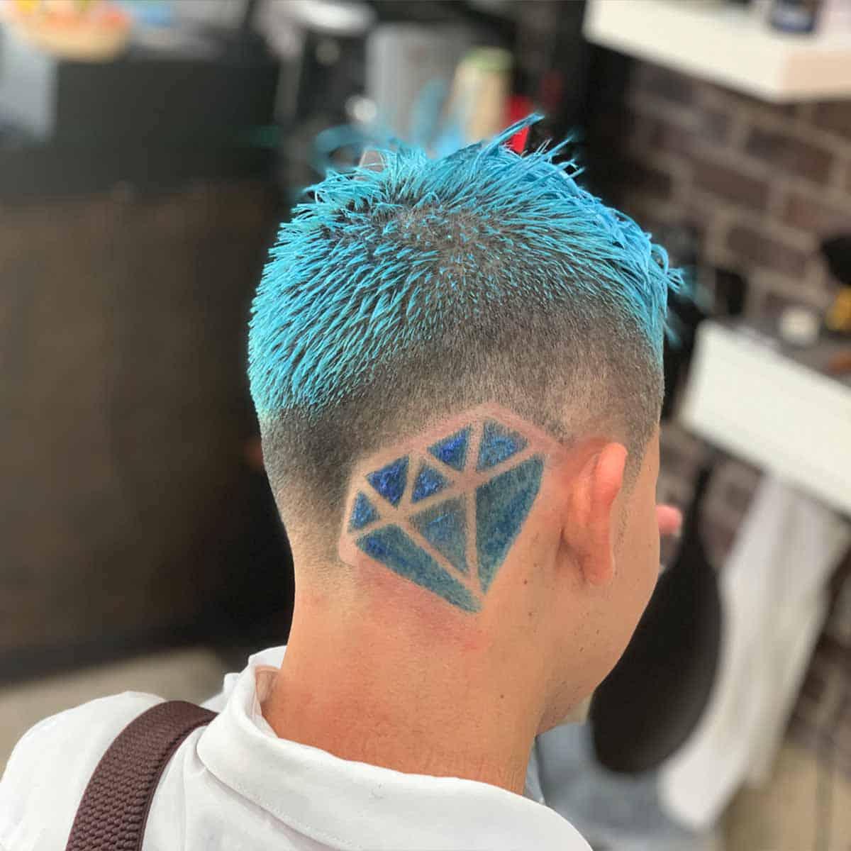 Diseño de corte de cabello para hombres en la peluquería YB New Style Barber Shop Madrid