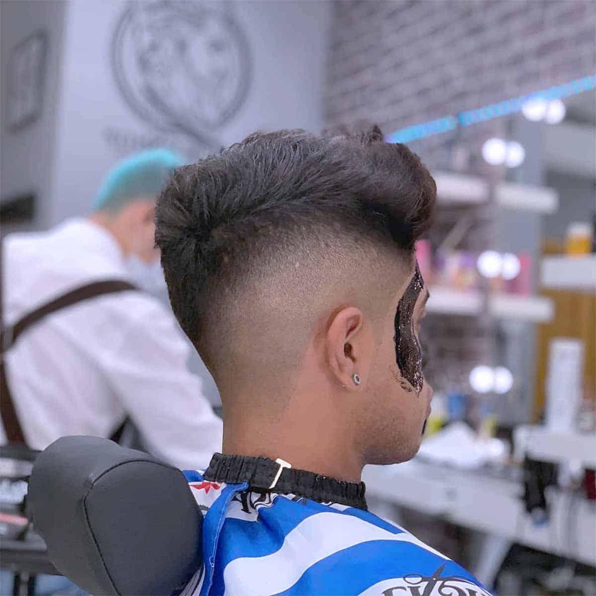 servicio limpeza facial y corte skin fade en barbería en Madrid YB New Style Barber Shop