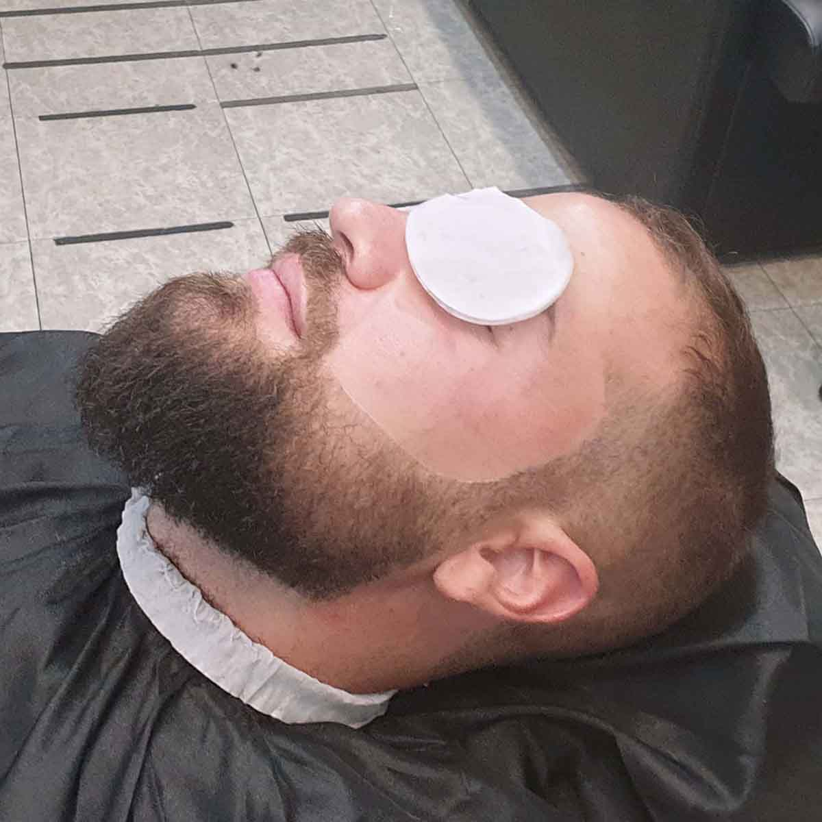 Servicio de arreglo de barba en Madrid en la barberia yb new style barber shop